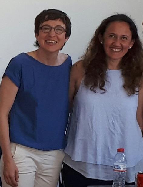 Montse Escribano y Amparo Navarro tras la defensa de la tesina