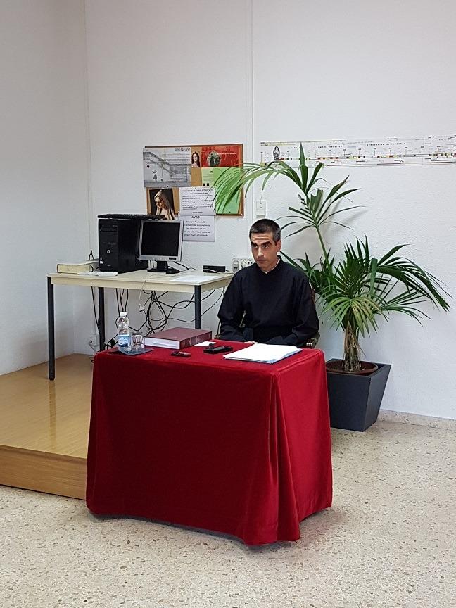 José María Serra antes de la defensa de la tesis